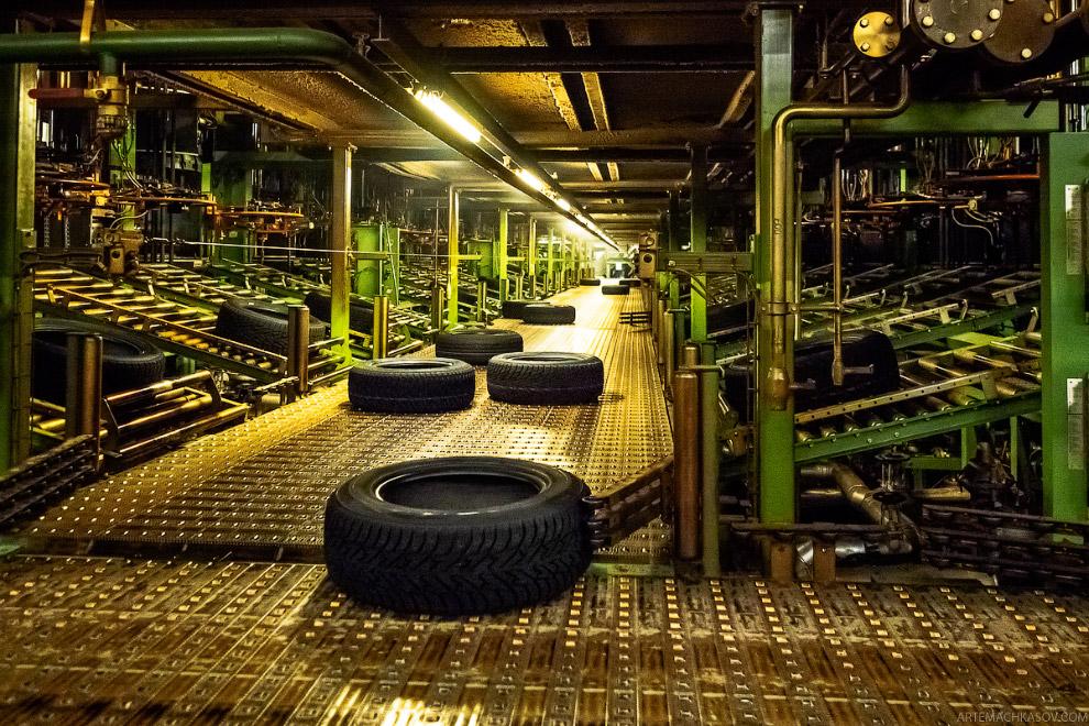 Как делают автомобильные шины в России?