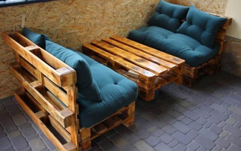 15 бюджетных идей для мебели из поддонов