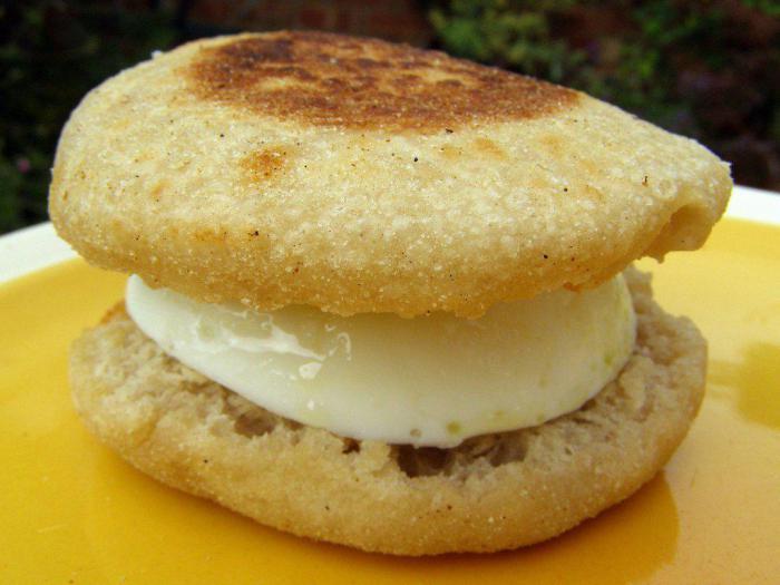 Burger King – английский маффин с яйцом и сыром