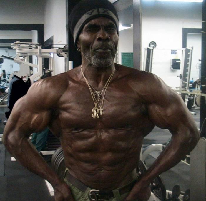 Робби Робинсон, 66 лет