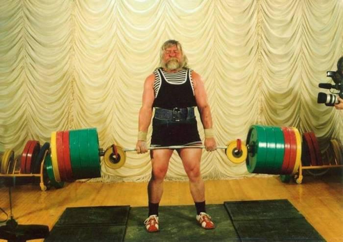 Валентин Дикуль, 67 лет (на фото 52 года)