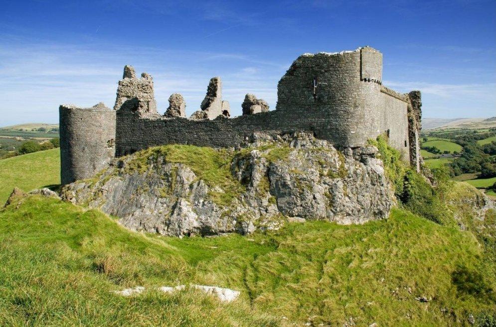 Замок Каррэг Кеннен, Уэльс.