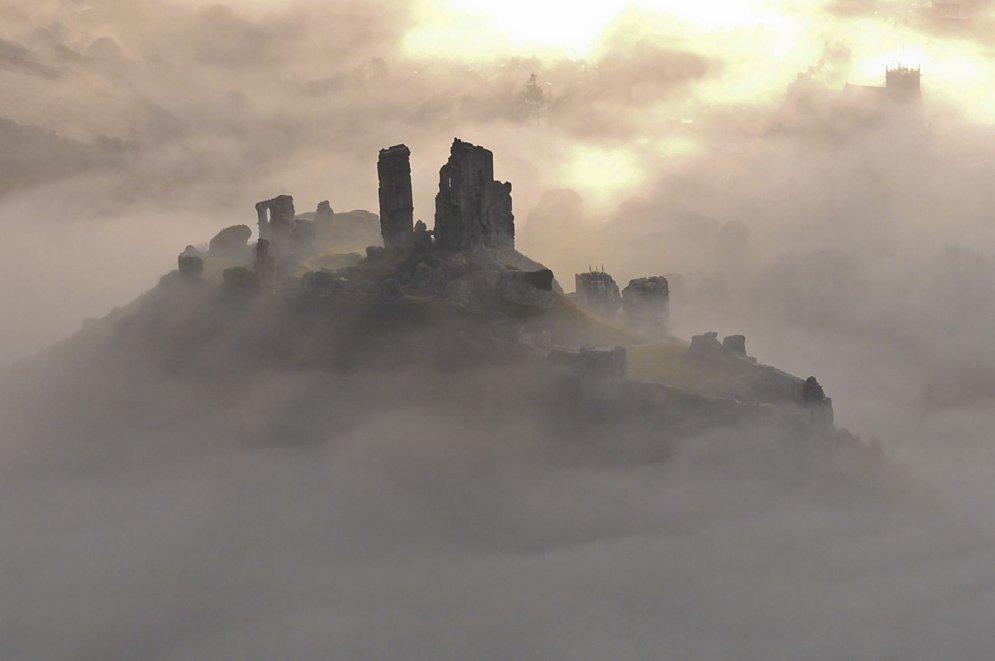 Замок Корф в графстве Дорсет.