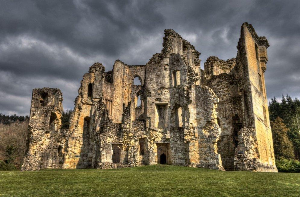Вардурский замок, построенный в XIV веке.