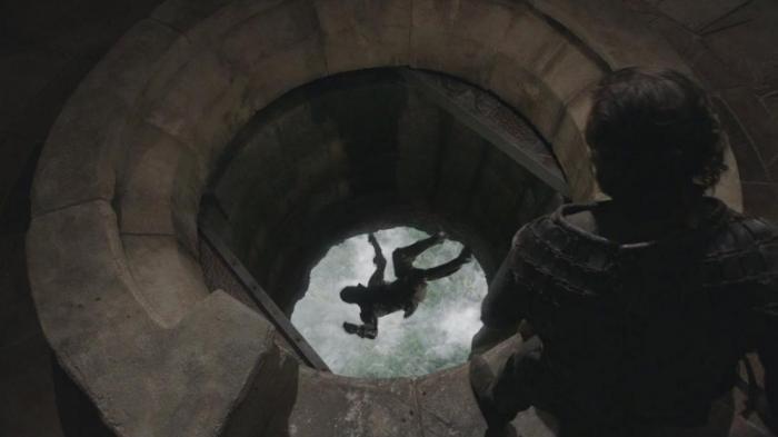 """Время смерти: 1-й сезон, эпизод """"Золотая корона""""."""