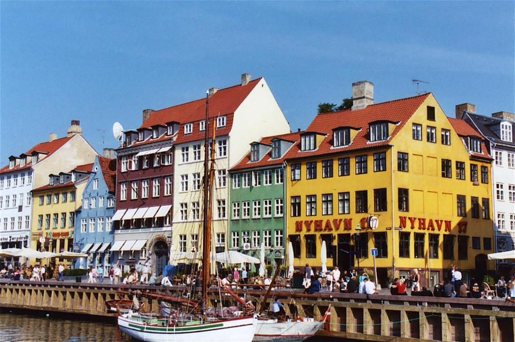9. Дания
