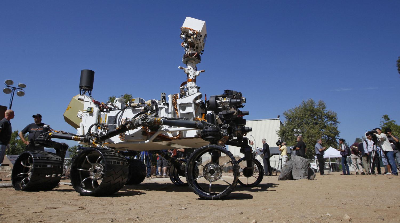 25 июля 2012 года. Марсоход Curiosity во время демонстрации СМИ