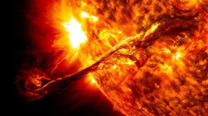 Ранее солнечные вспышки назывались хромосферными
