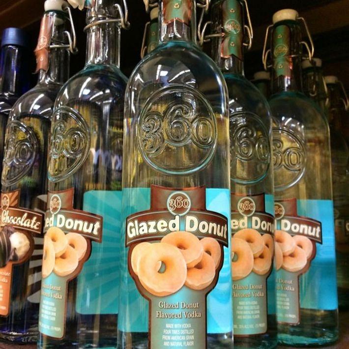 Водка со вкусом пончика, покрытого глазурью