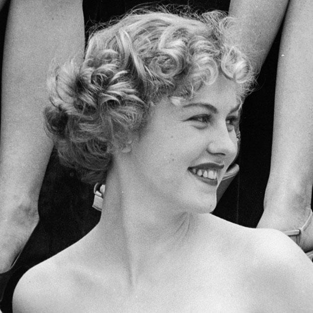 Арми Куусела, Финляндия. Мисс Вселенная-1952