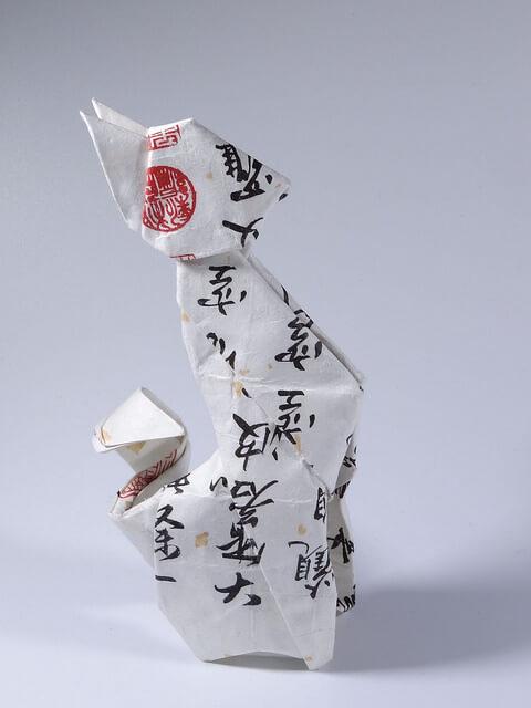 Традиционный японский кот из японской бумаги