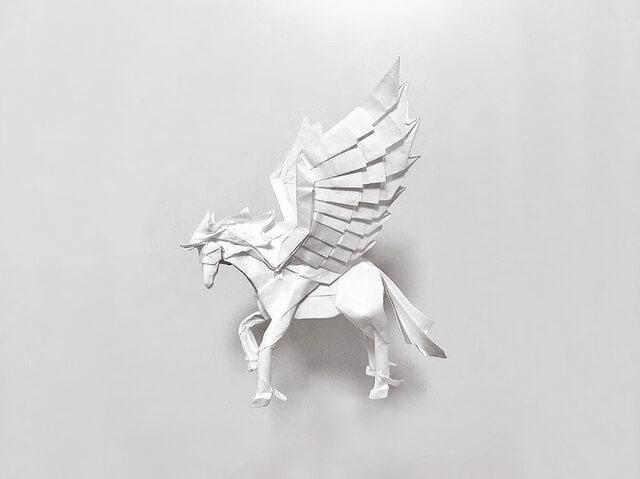 Удивительная лошадь с крыльями оригами