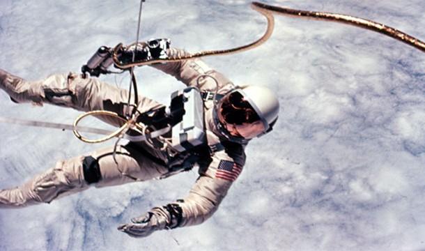 13. Космонавт