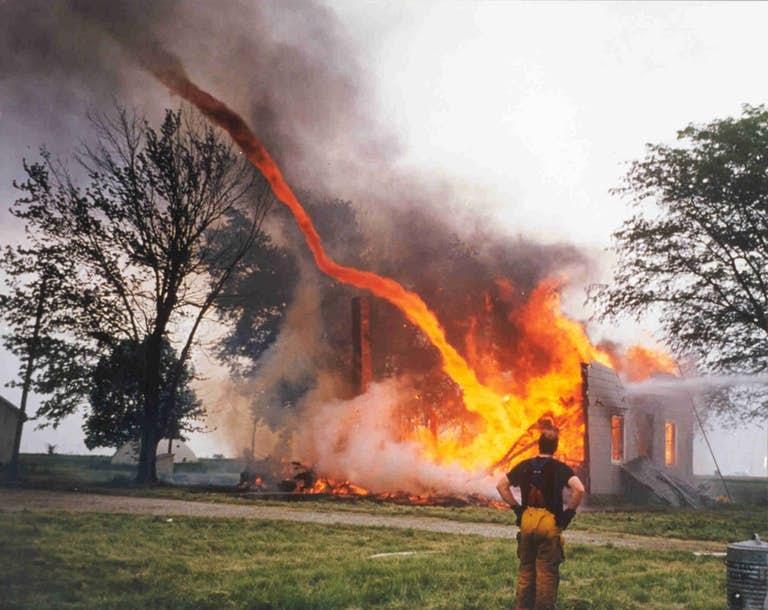 огненные торнадо