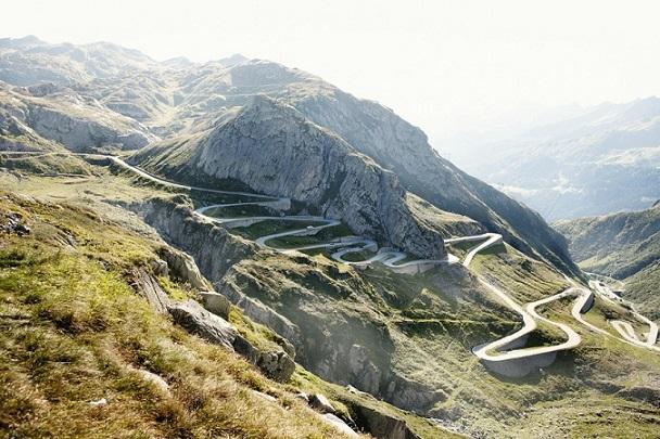 Дорогачерез перевал Сен-Готард, Швейцария