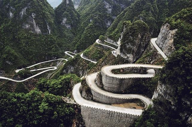 Дорога на Горе Тяньмэнь, Китай
