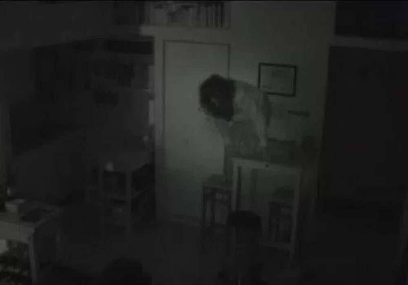 Женщина, живущая в шкафу