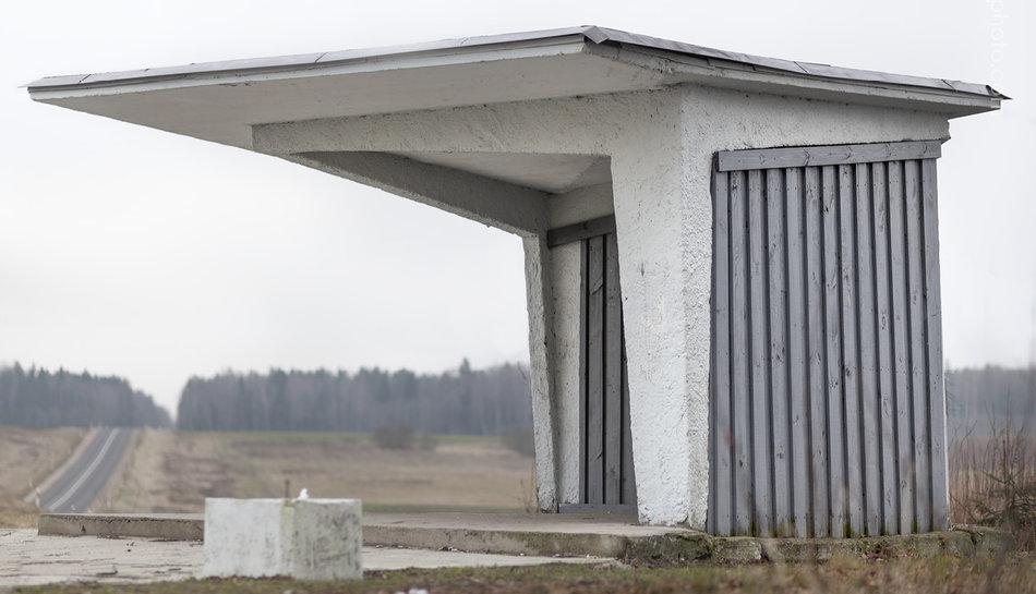 Фотограф: Кристофер Хервиг (Christopher Herwig). Советская автобусная остановка — Литва, г. Leliunai