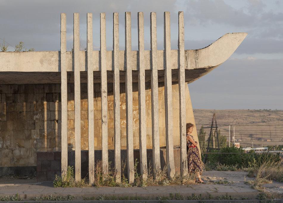 Фотограф: Кристофер Хервиг (Christopher Herwig). Советская автобусная остановка — Армения, г. Ереван №2