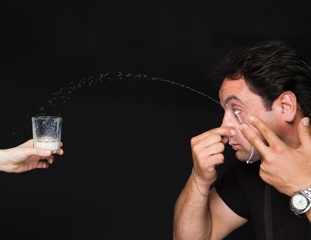 Самая длинная струя молока из глаза