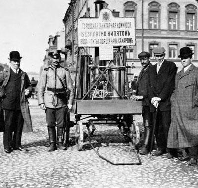 Благотворительная чайная повозка в Санкт-Петербурге, 1909 год