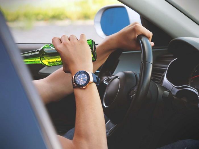Каждый час погибает один человек из-за водителей, которые сели за руль в нетрезвом виде