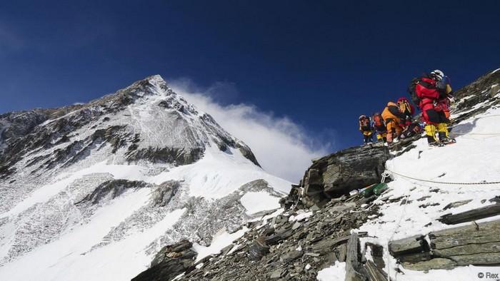 200 мёртвых тел на горе Эверест