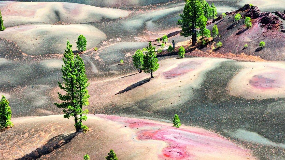 Разноцветные дюны в парке Лассен, США