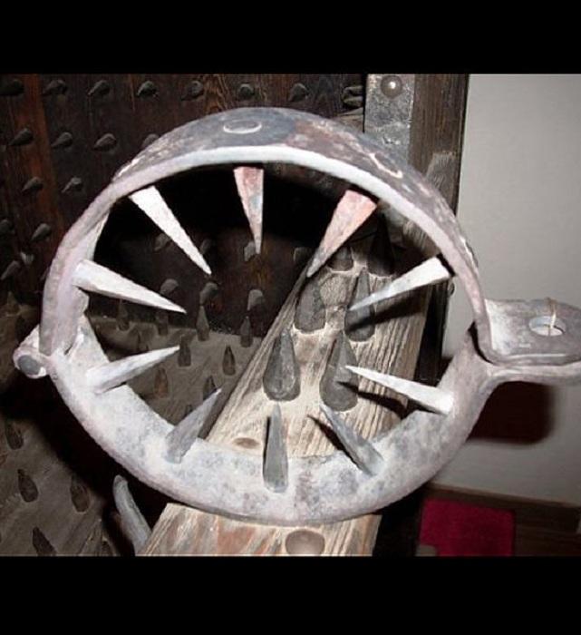 Средневековое орудие пыток.