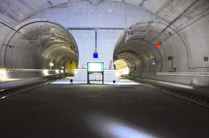 Самый длинный в мире железнодорожный туннель