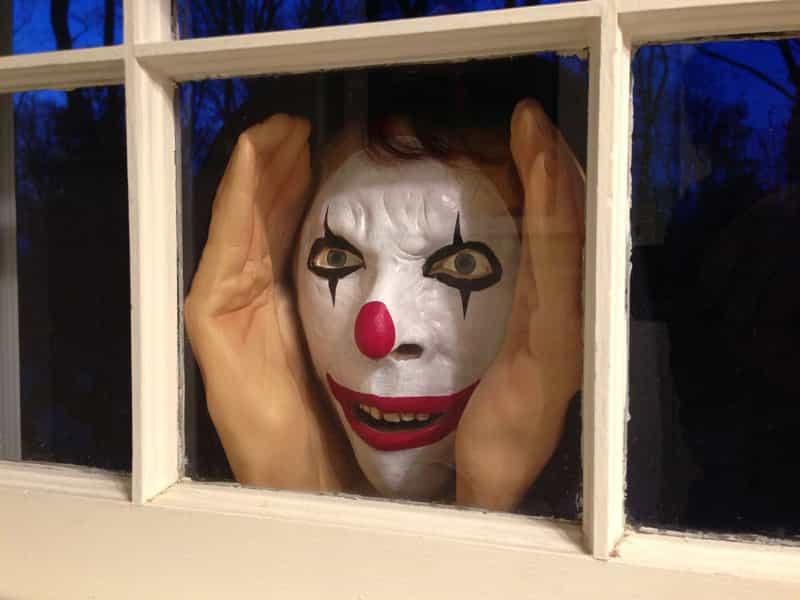 причина страха кроется в масках