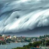 Чем отличаются ураган, тайфун и цунами