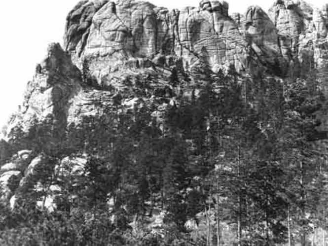 Гора Рашмор. В 1905 году…