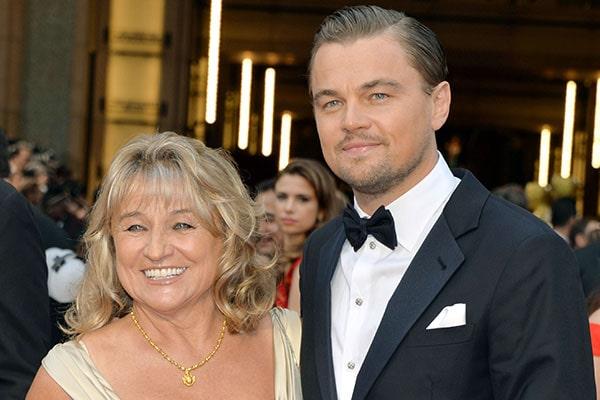 Леонардо Ди Каприо рядом с мамой