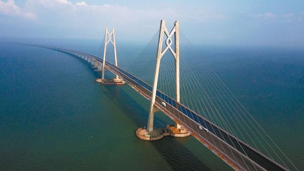 Мост Гонконг – Чжухай – Макао (Китай), 55 км