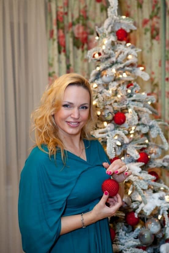 Алла Довлатова — Марина Евстрахина