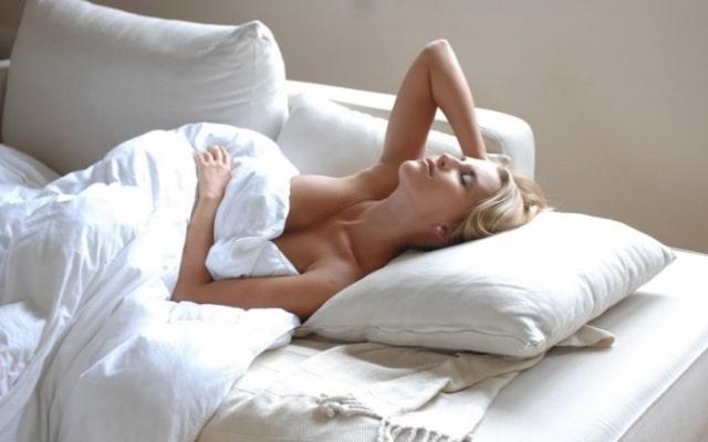 Что происходит в организме человека во время сна