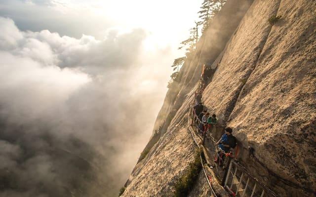 Самая опасная тропа в мире, гора Хуашань, Китай