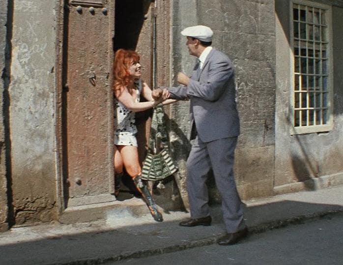 КАДР ИЗ ФИЛЬМА «БРИЛЛИАНТОВАЯ РУКА» (1968)