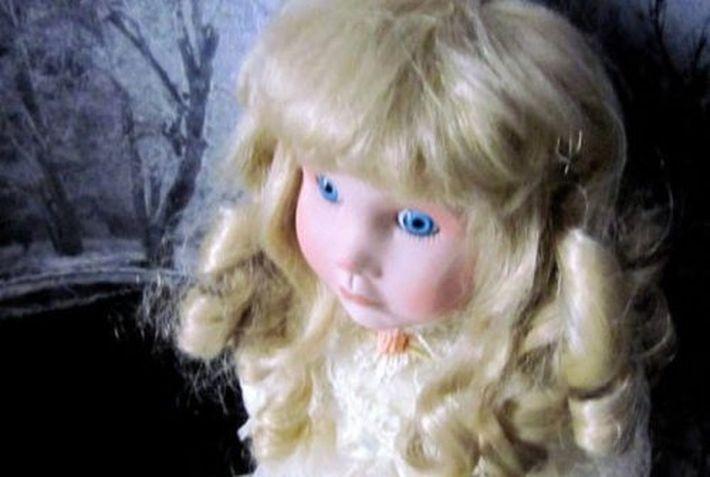 Кукла, в которой живет призрак 20-летней женщины