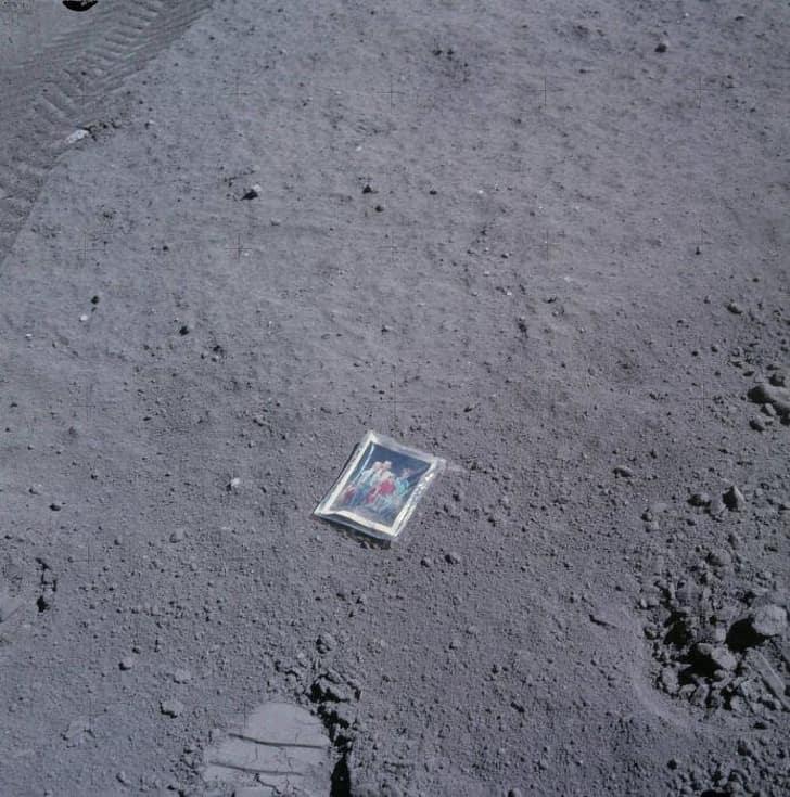 фотография на Луне