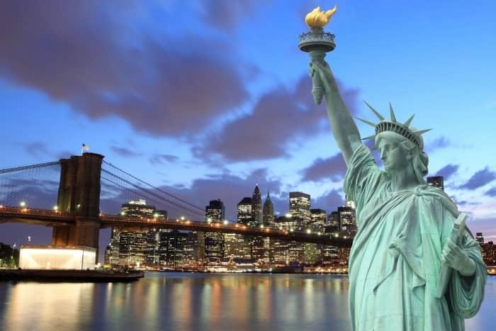 статуя Свободы и Бруклинский Мост