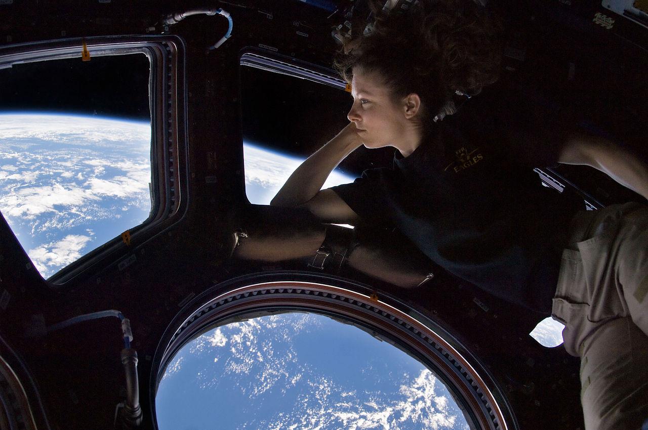 Астронавт Трейси Колдуэлл-Дайсон на МКС