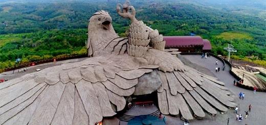 Jadayupara — Самая большая скульптура птицы в мире