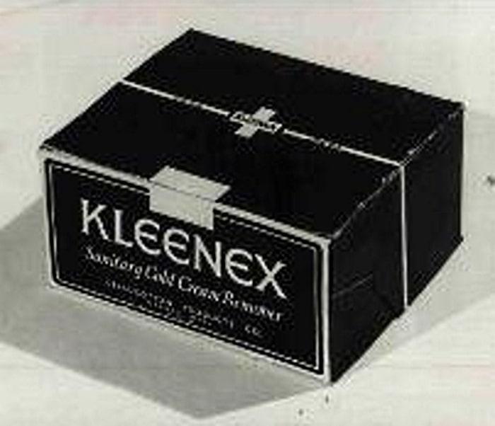 Коробка Kleenex 1924 года
