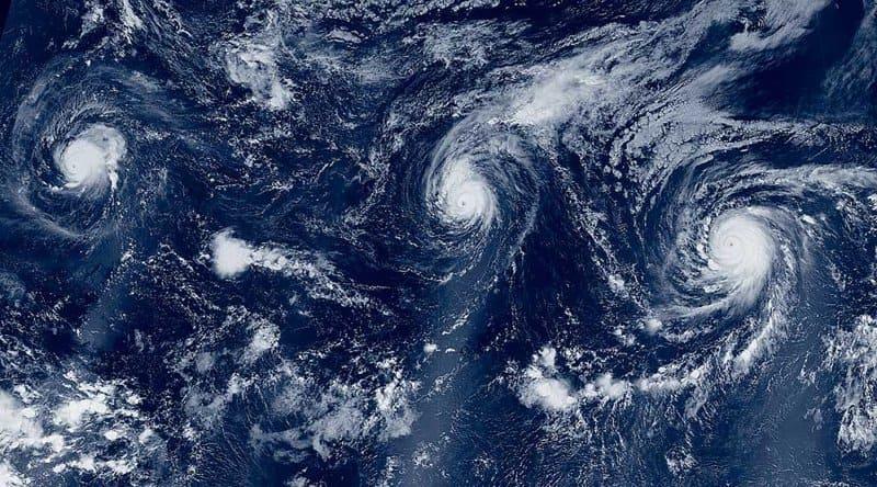 Кто дает имена ураганам?