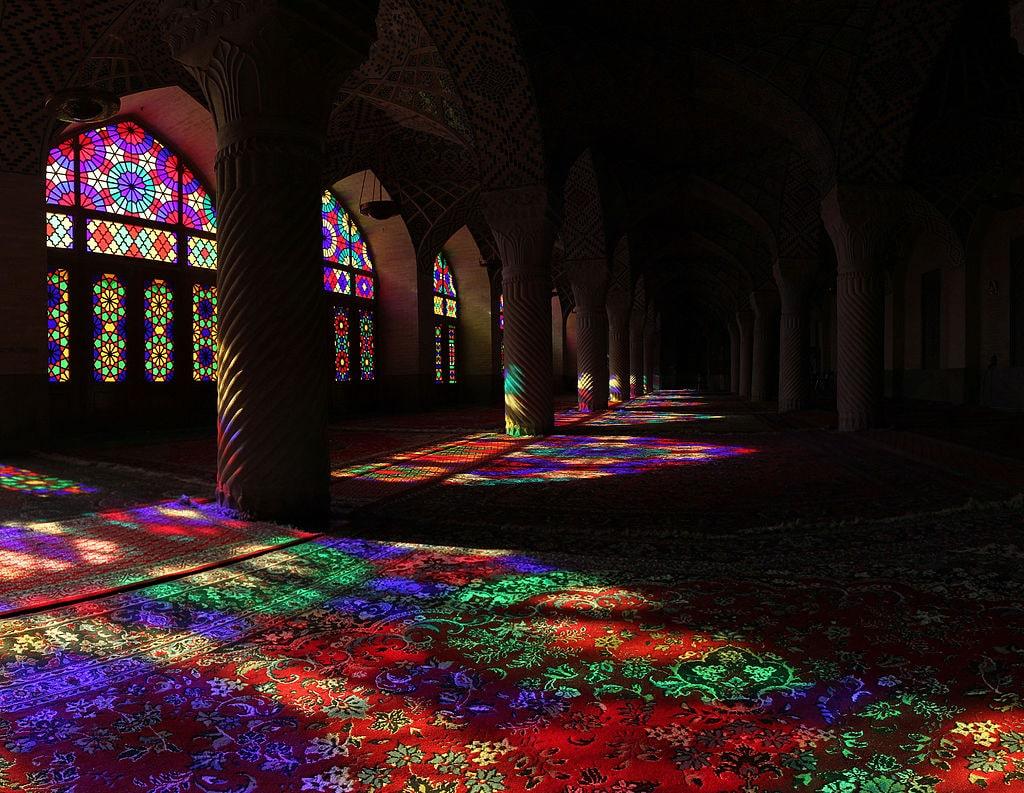 Мечеть Насир ол-Молк - традиционная исламская мечеть, расположенная в городе Шираз