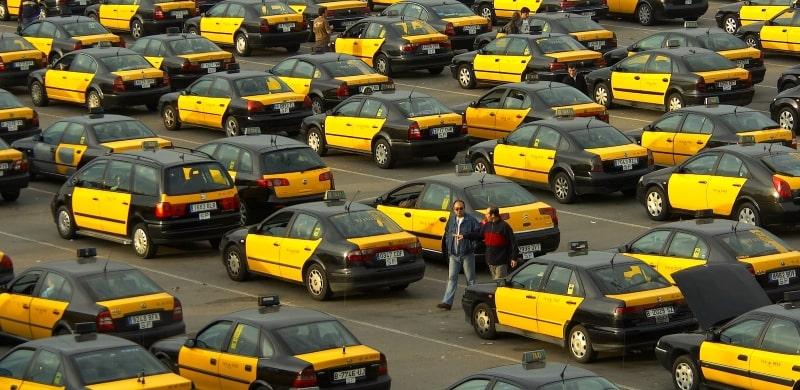 Почему в Барселоне все такси черно-жёлтого цвета?