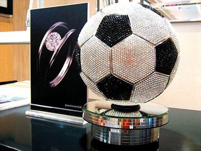 Шиманский футбольный мяч