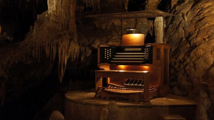 1. Сталактитовый орган